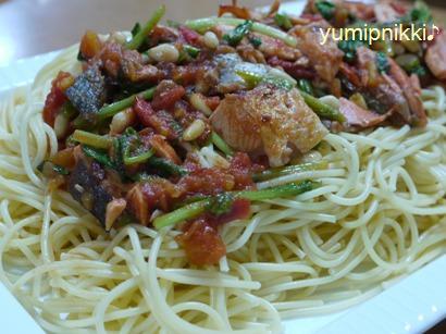 鮭とルッコラのトマトスパゲッティ☆