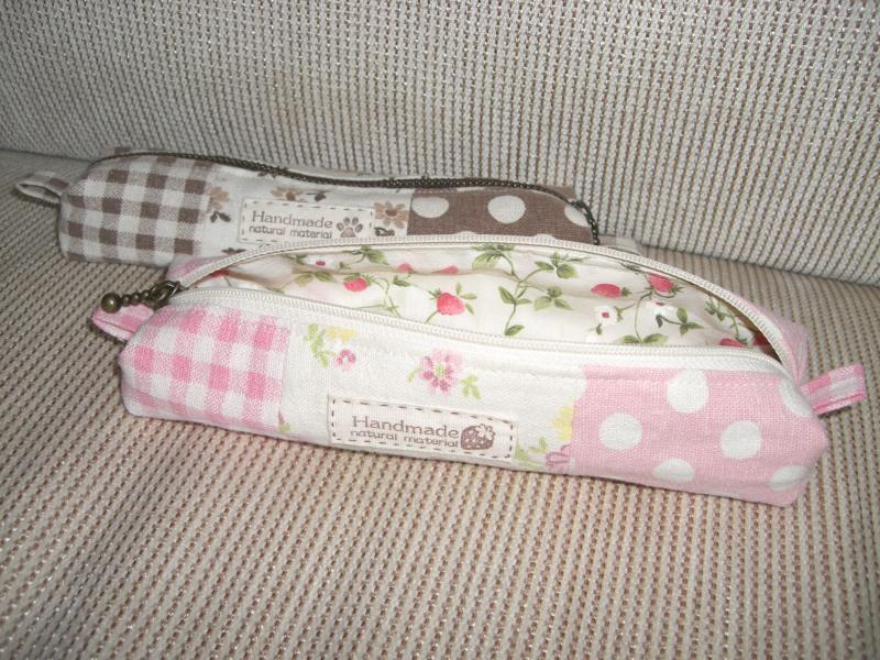 ピンクのペンケース♪2