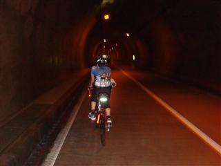 1.5キロのなが~いトンネルです