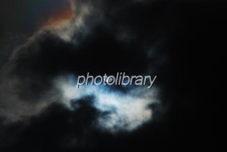683152 雲間の月