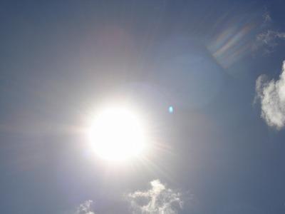 試合途中の太陽