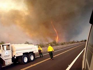 fire-tornadoes-burnado-hawaii_25569_big.jpg