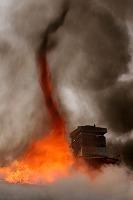 fire-tornadoes-burnado-home_25570_big.jpg