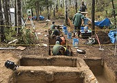 paleoindian-burial-child-cremation-dig_32483_170.jpg