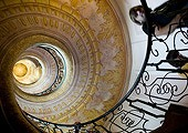 relativity-effects-on-earth-staircase_26517_170.jpg