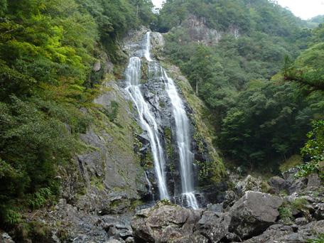 kamikitayamamura_senhironotaki02.jpg