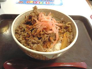 110731_00006「すき家」牛丼250円セール