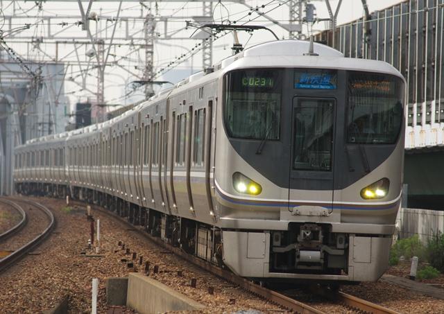 110521-JR-W-225-shinkaisoku-1.jpg