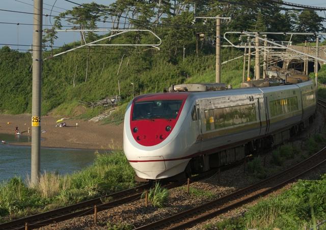 110806-JR-W-681-SRE-kujiranami.jpg