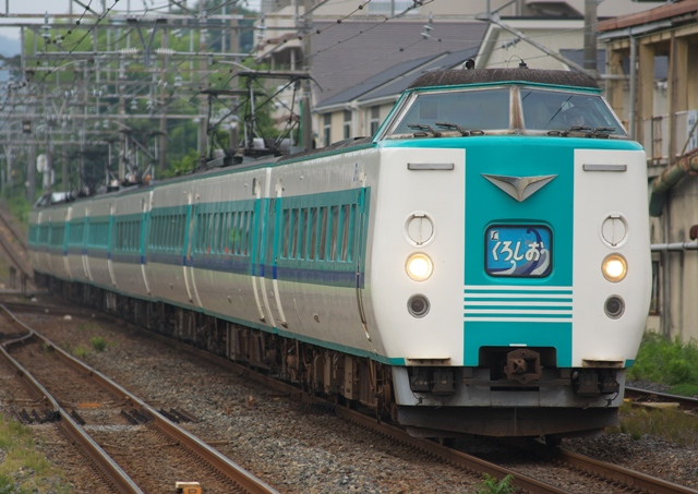 110815-JR-W-381-kuroshio-9cars.jpg