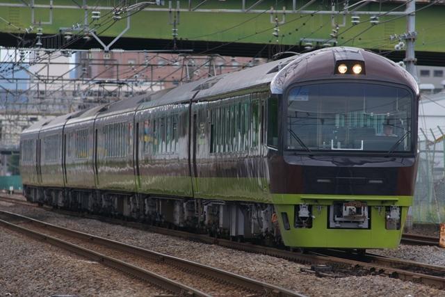 110923-JR-E-485-resort-yamadori-1.jpg