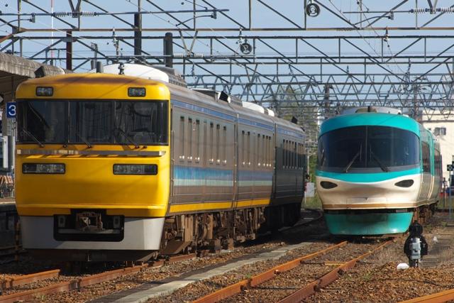 110927-JR-W-DrToukai-ocean allow-5a