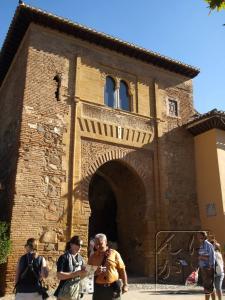 ワインの門