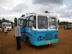 27apr2010 シャシャマネ行きのバス