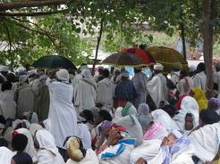 1may2010 ラリベラでの葬式の様子