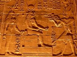 23may2010 イシス神殿内のレリーフ