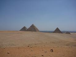 28may2010 パノラマポイントから 三大ピラミッド