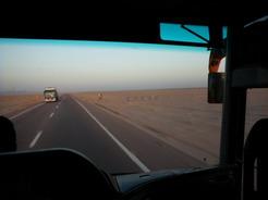 31may2010 シャルム・イッシェークへ向かうバスの車窓から