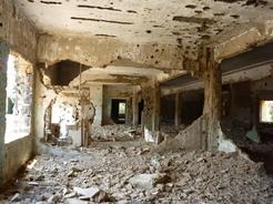 10jun2010 破壊された病院内