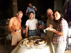 15jun2010 夕飯をご馳走してくれたおっちゃんたち