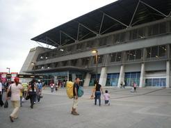 24aug2010 巨大なグアヤキルのバスターミナル