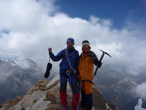 29aug2010 ウルス 5495m 登頂