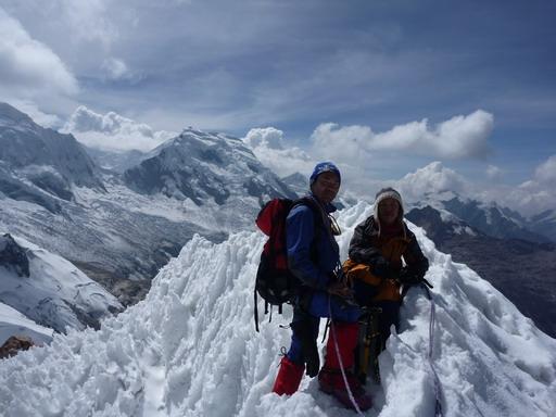 30aug2010 イシンカ 5530m 登頂