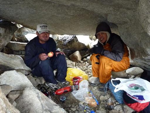 31aug2010 岩小屋に一時避難