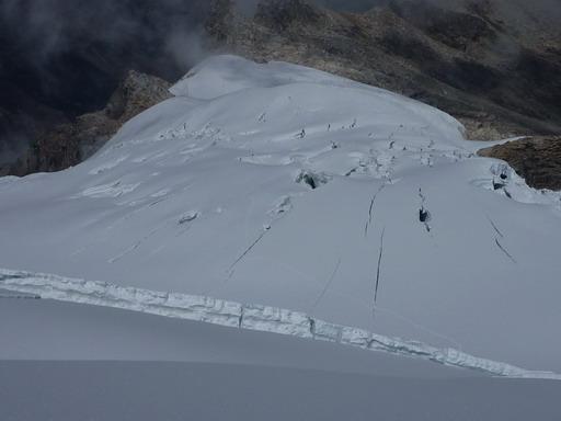 1sep2010 下部雪原のクレバス帯を上から