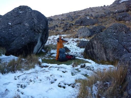 9sep2010 ポルタチュエロ峠の手前に幕営