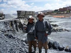 18oct2010 鉱山ツアーの出で立ち
