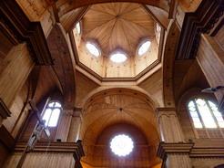15nov2010 温かみのある木造の教会