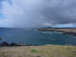 23nov2010 イースター島の南面 雨の降っていない場所でやり過す