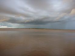 30dec2010 夕日に映えるアマゾン川