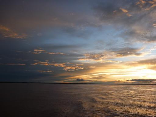 31dec2010 金色に染まる雲