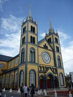 17jan2011 パラマリボの町中の教会