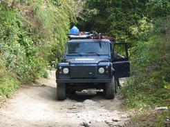 26feb2011 一般のパナマ人の車まで