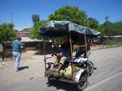 17mar2011 自転車タクシーで国境を越える