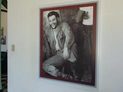 1apr2011 第一ゲバラ邸宅には写真がいっぱい