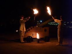 1apr2011 150年続く大砲の儀式 毎日空砲を一発ぶっ放す