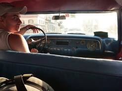 2apr2011 アストロのターミナルへ連れてってくれたアメ車タクシー