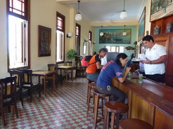 12apr2011 ラ・テラサの店内