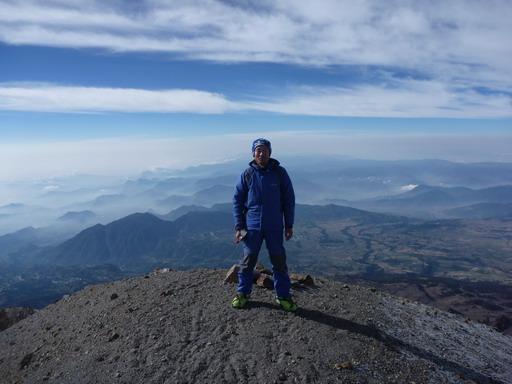 6may2011 そして8時55分にオリサバ登頂(5,700m)