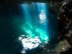 14jun2011 三つ目は青の洞窟っぽい