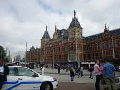 26jun2011 到着したアムステルダム中央駅