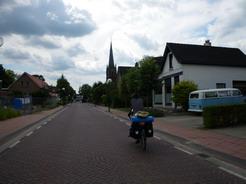 10jul2011 Lichtenvoordeの町に入る